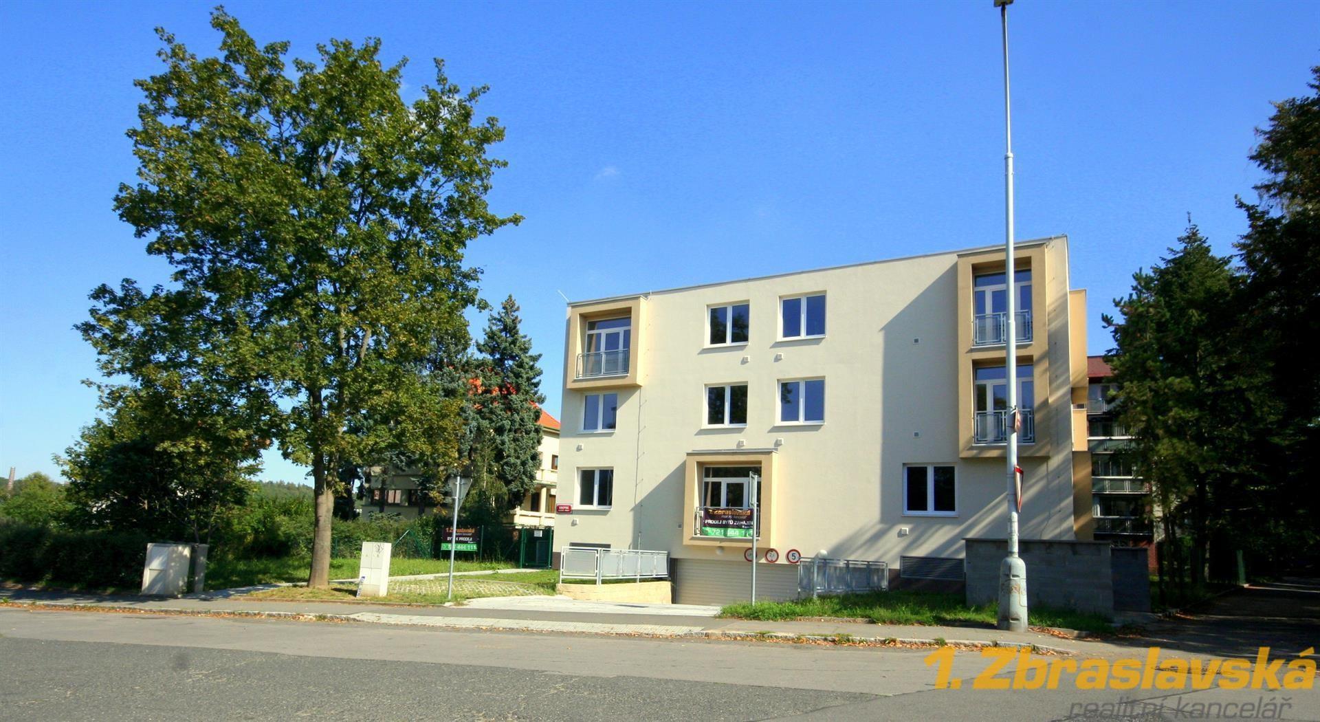 Bytový dům Komořany, 18 bytů na prodej v žádané lokalitě
