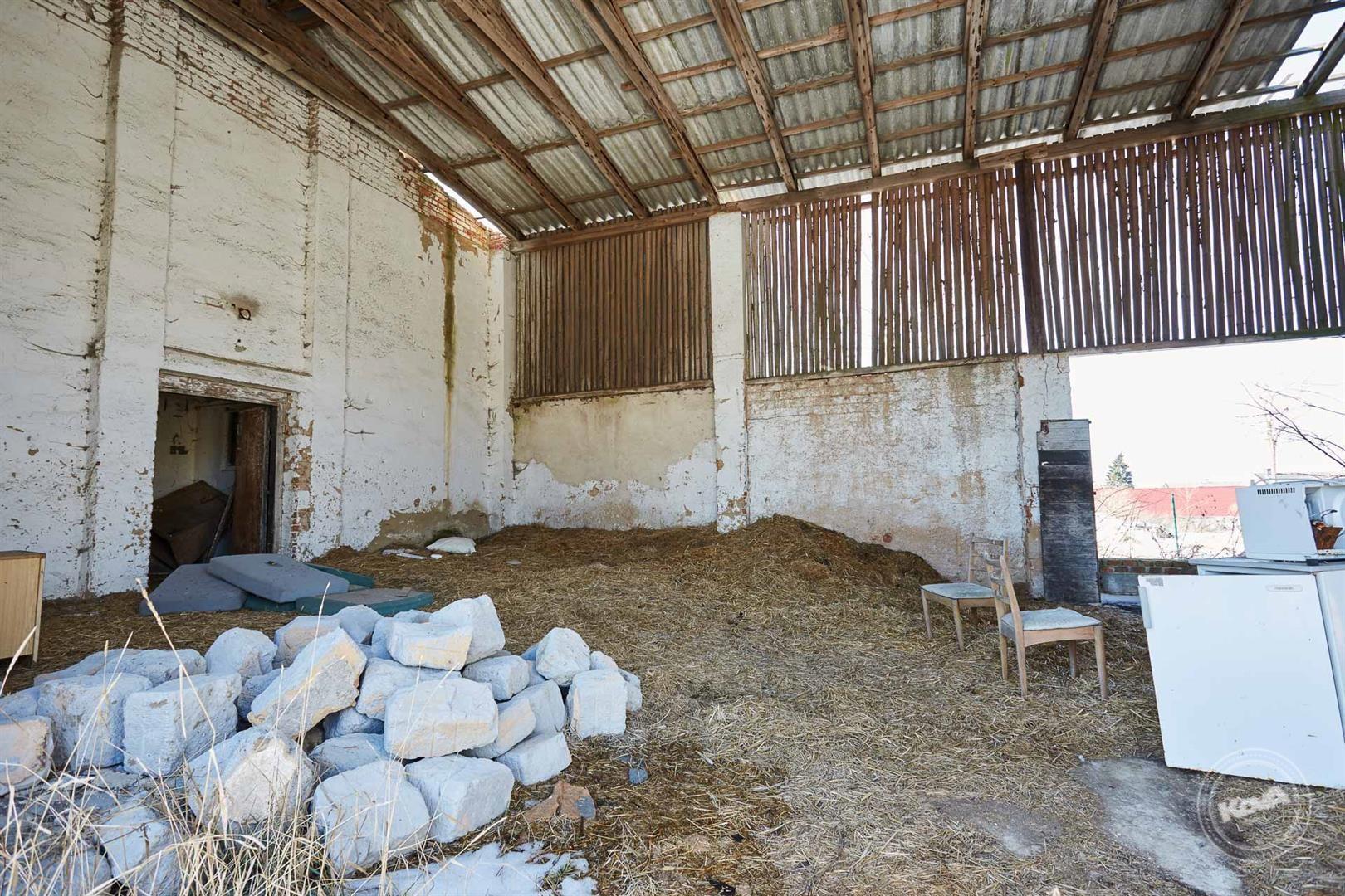 Toužim, prodej seníku a skladovacích prostor s pozemkem 475 m2, Třebouň