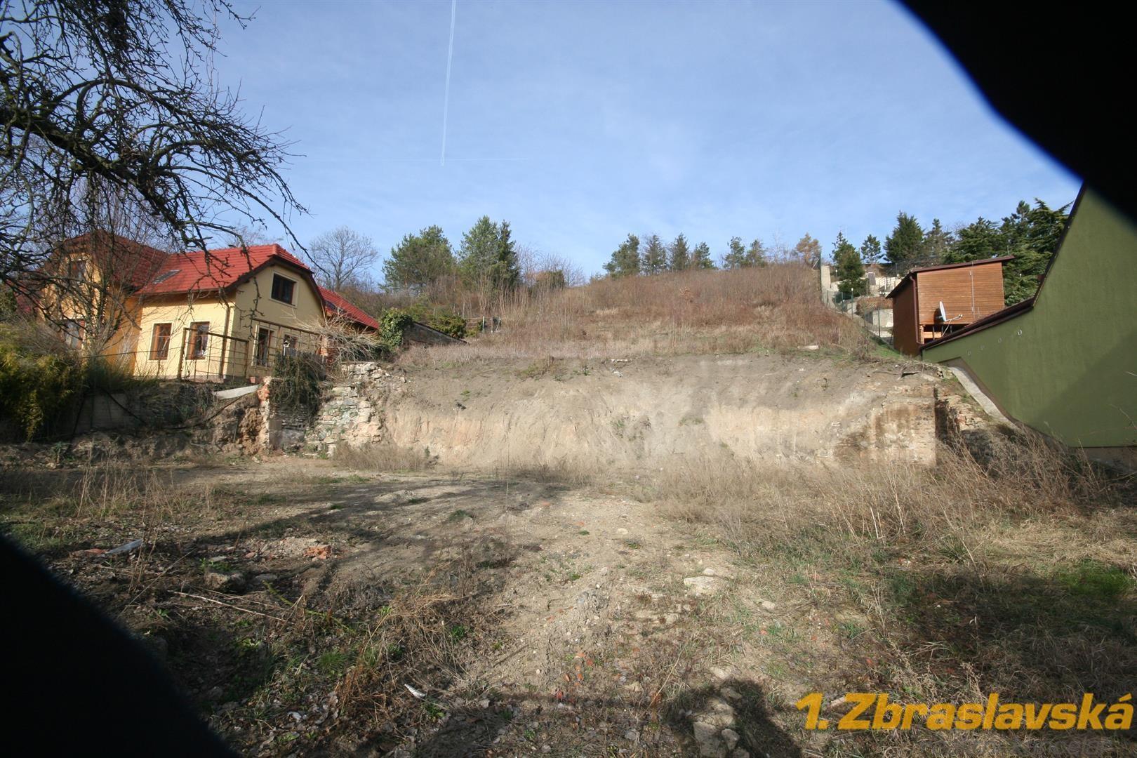 Praha 5 - Lipence, prodej stavebního pozemku o výměře 1 400 m2
