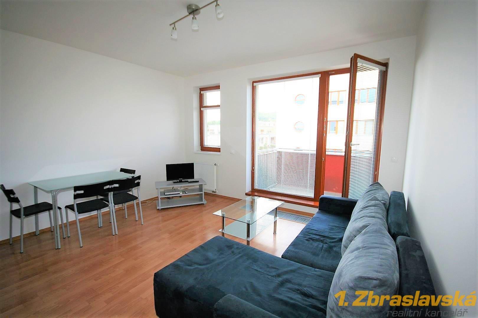 Zbraslav, Praha 5, pronájem bytu 1+kk, 35 m2, balkon, sklep, garážové stání