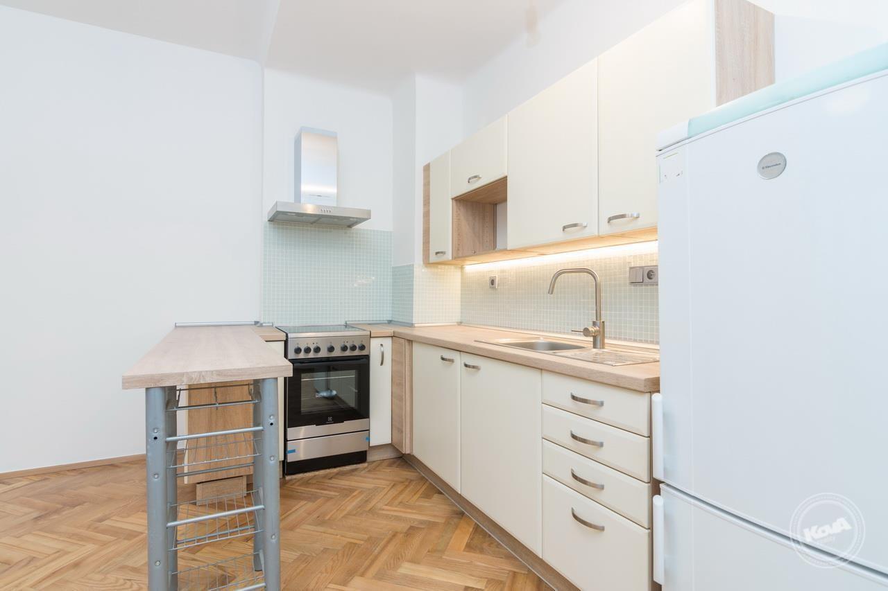 Prodej moderního bytu 1+kk po rekonstrukci, Budějovická – Praha 4, pouze 300 m od stanice Metra C.