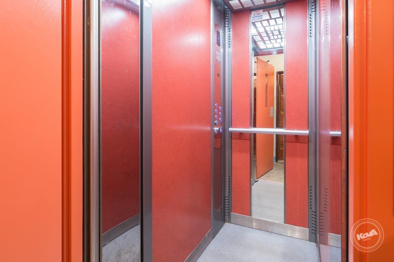 Nově nainstalovaný výtah