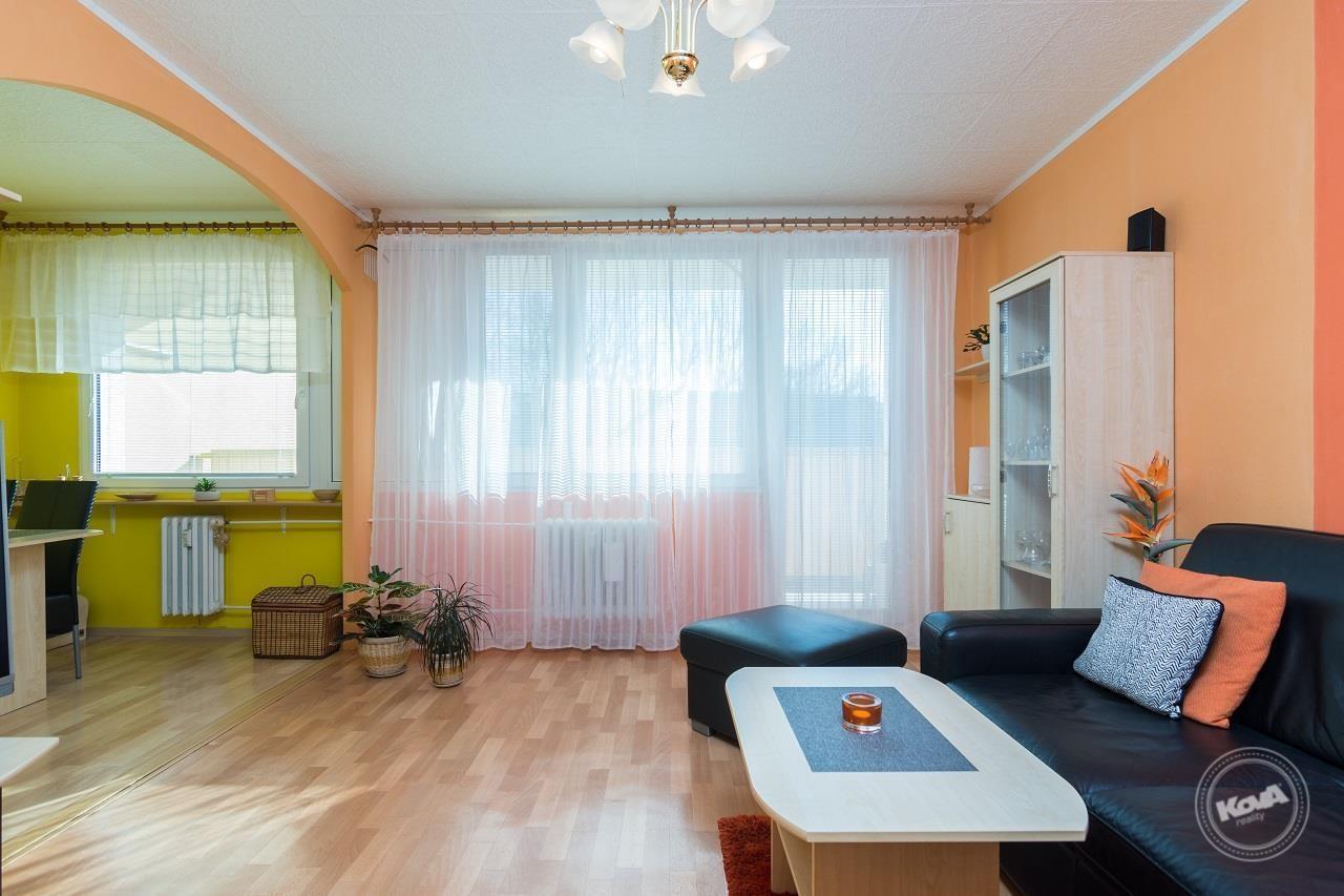 Prodej bytu 3+1 s lodžií, Jesenice u Prahy