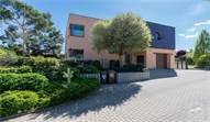 Prodej moderního RD s ateliérem, altánem a nádhernou zahradou 640 m2 v Lipencích